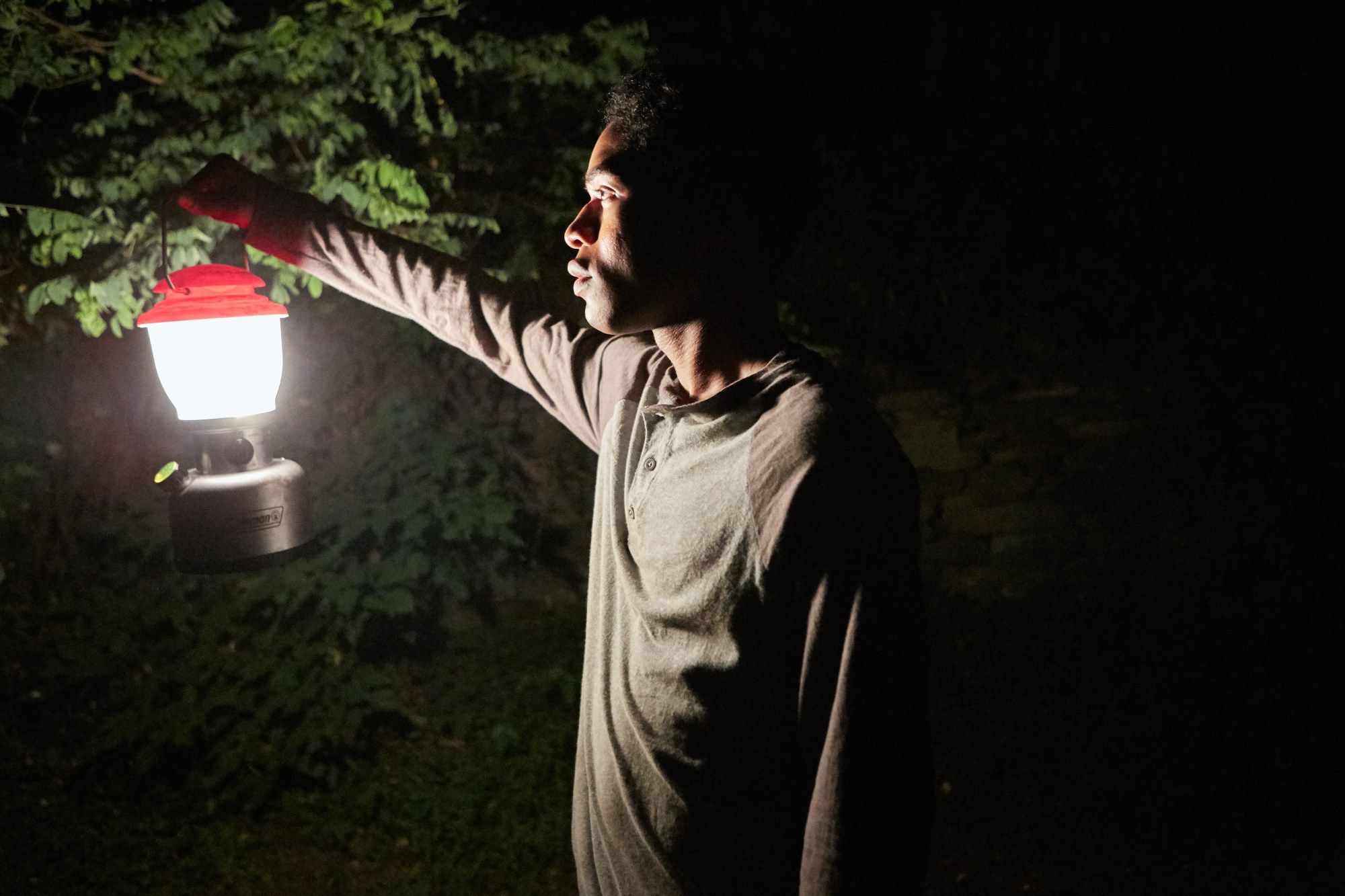 "Kelvin Harrison Jr i ""It comes at night""."