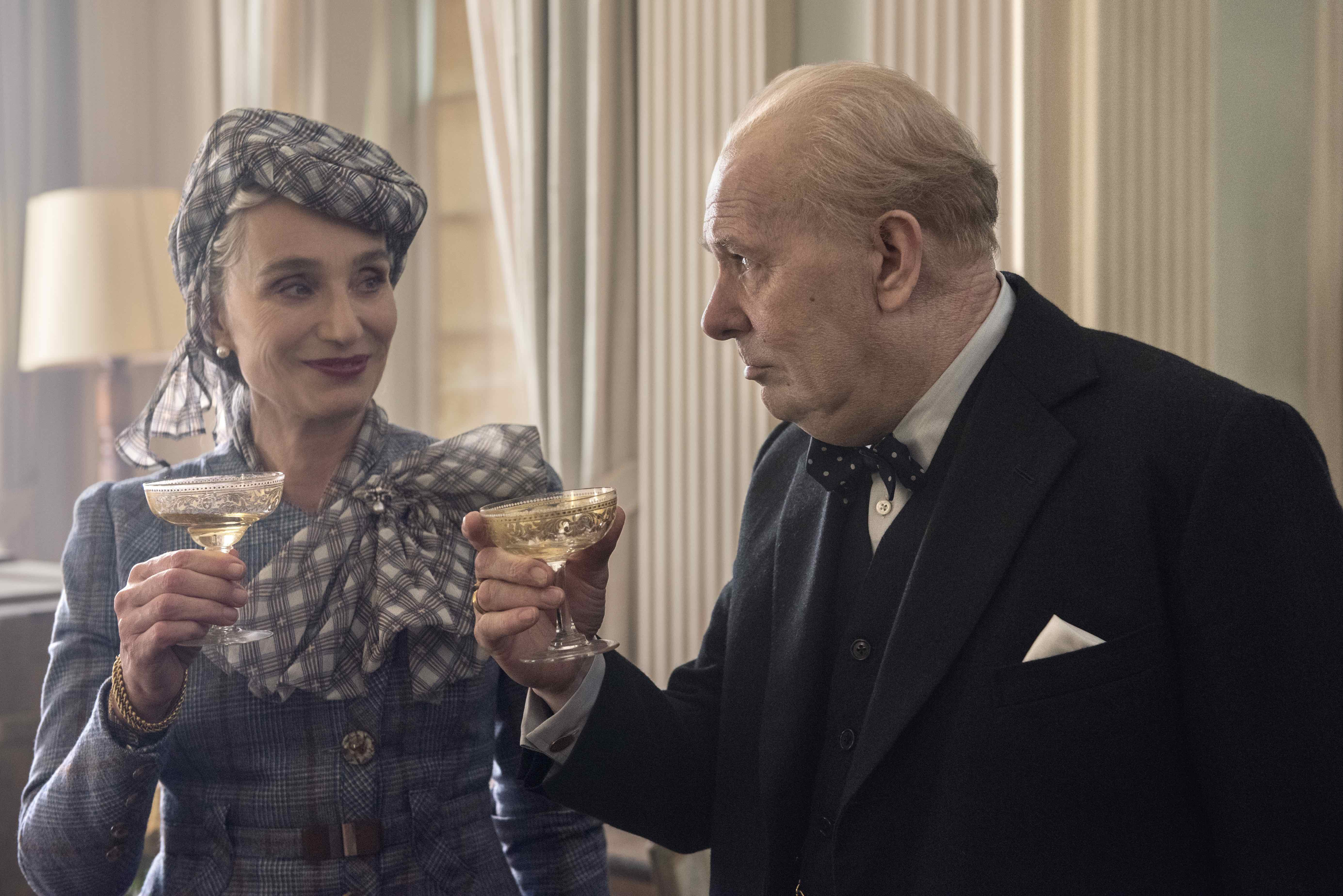 4106_D021_00105_R_CROPKristin Scott Thomas and Gary Oldman star as Clementine and Winston Churchill in director JoeWright's DARKEST HOUR, a Focus Features release.Credit: Jack English / Focus Features