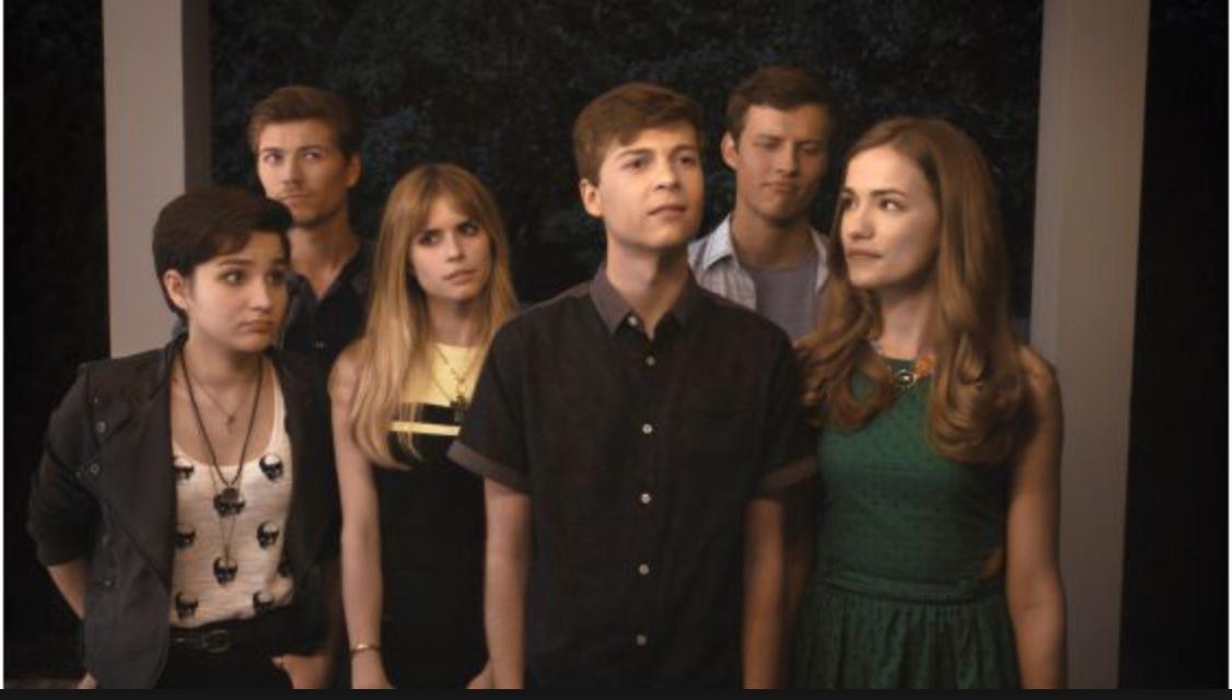High school-gänget med Brooke i spetsen som jagas av den brutala mördaren i mask.