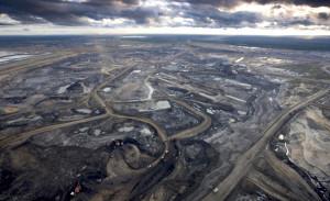 """""""Det ser ut som Mordor"""" säger DiCaprio när han får se områden förstörda av oljesand."""
