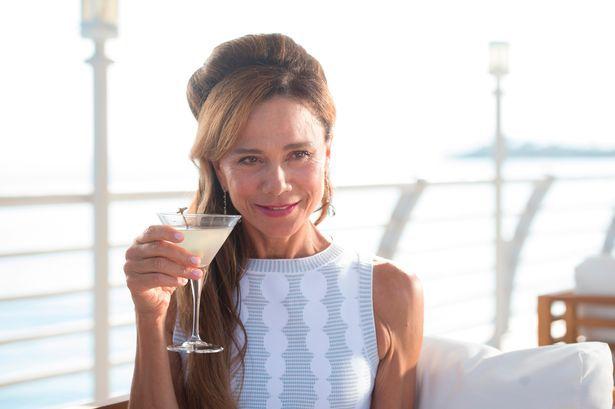 """Lena Olin i """"Riviera"""". Foto Sky Atlantic."""
