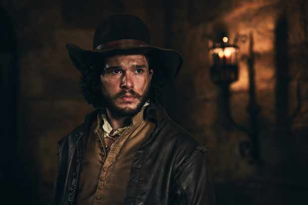 "Kit Harrington i ""Gunpowder"". Foto BBC."