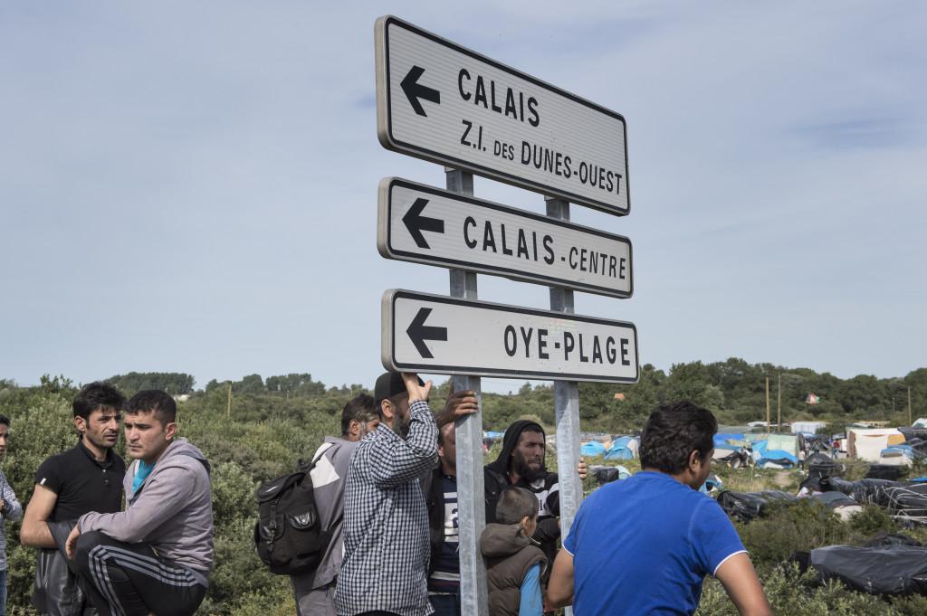 "Vid migrantlägret ""The Jungle"" i Calais."