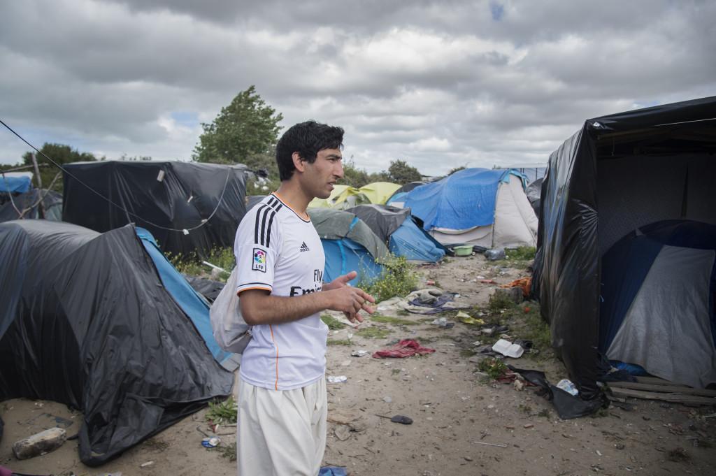 "Mahmoodijan Ahmad vid flyktinglägret ""Djungeln"" i Calais."