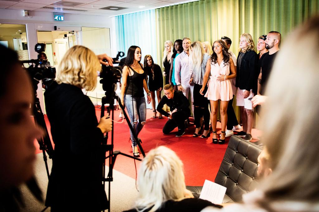 """En av programledarna för det direktsända eftersnacket till """"Paradise Hotel"""", Rebecca Stella Simonsson, var också på plats. Foto: Ola Axman."""