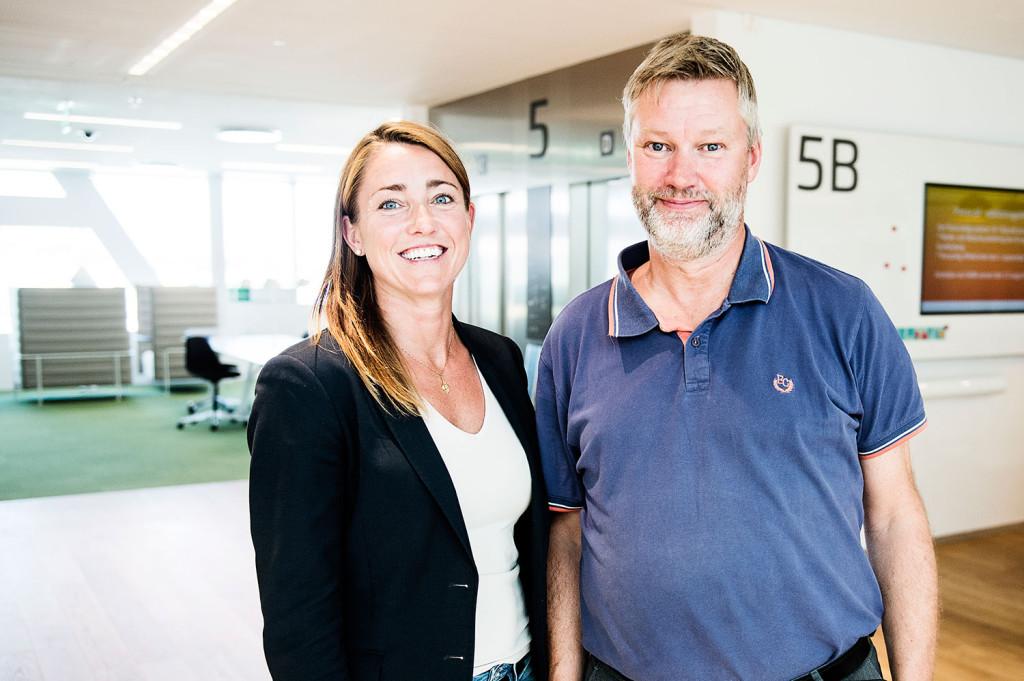 Carina Tillman, HR-representant och Claes Warrén, pressinformatör från Swedbank. Foto: Ola Axman