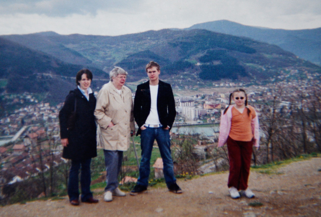 Bosnier atervande efter fyra ar i sverige