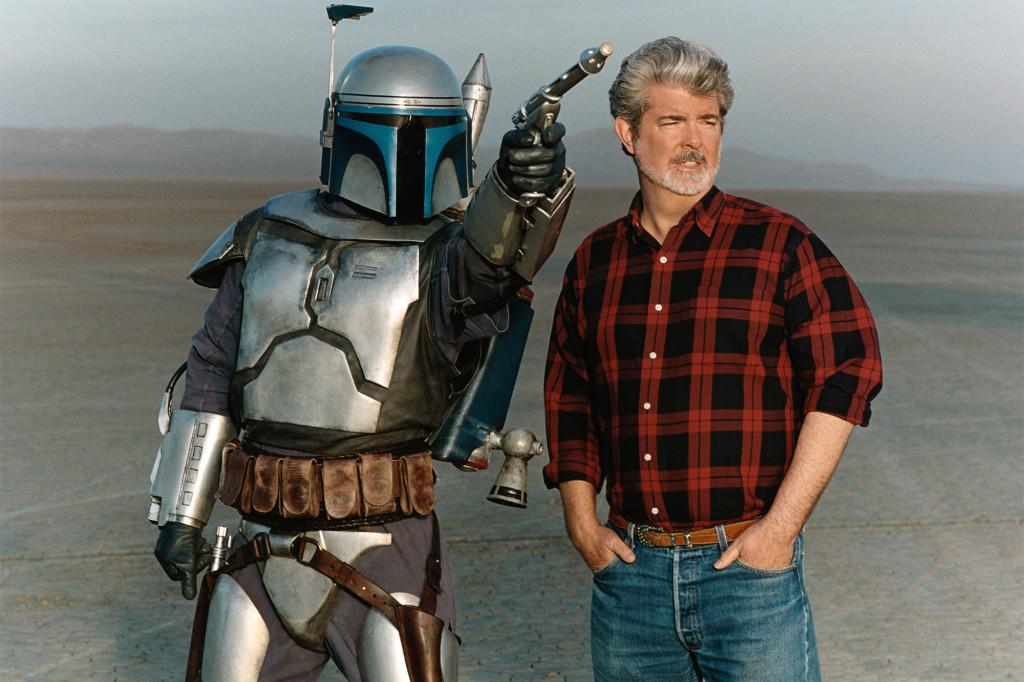 """George Lucas med Jango Fett under inspelningen av """"Star Wars: Episod II – Klonerna anfaller"""". Foto: Lucasfilm"""