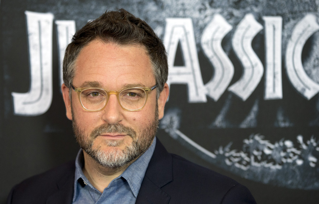 ap foto : michael sohn : us director colin trevorrow poses for the media during a photo call for the movie 'jurassic world' in berlin, germany, monday, june 1, 2015. (ap photo/michael sohn) germany jurassic worl automatarkiverad
