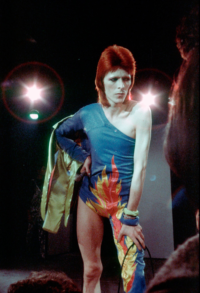 David Bowie som sitt androgyna, utomjordiska rockstjärne-alter ego Ziggy Stardust, 1973. Foto: GETTY IMAGES