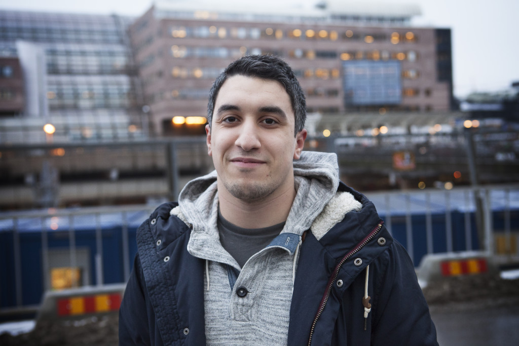 Hassan Albaaj, 20, kock, Stockholm: - Nej, det vet jag inte. Men jag har sett henne, jag tror att hon är politiker.