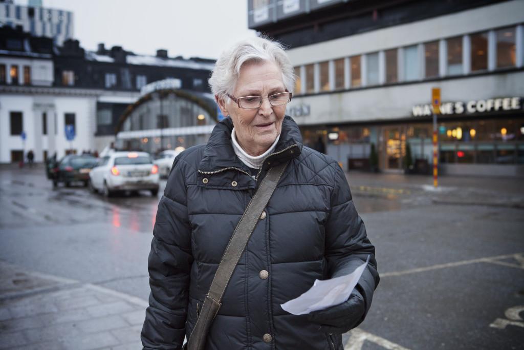 Berit Wennberg, 82, pensionär, Kungsängen: - Nej, men ansiktet förefaller vara bekant. Är hon en kvinnosakskvinna, kanske?