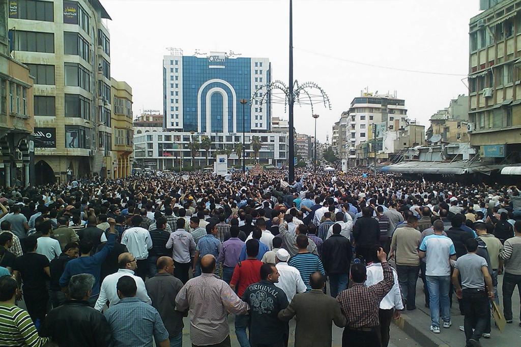 Demonstration i Daraa mot Assad-regimen. Foto: AP