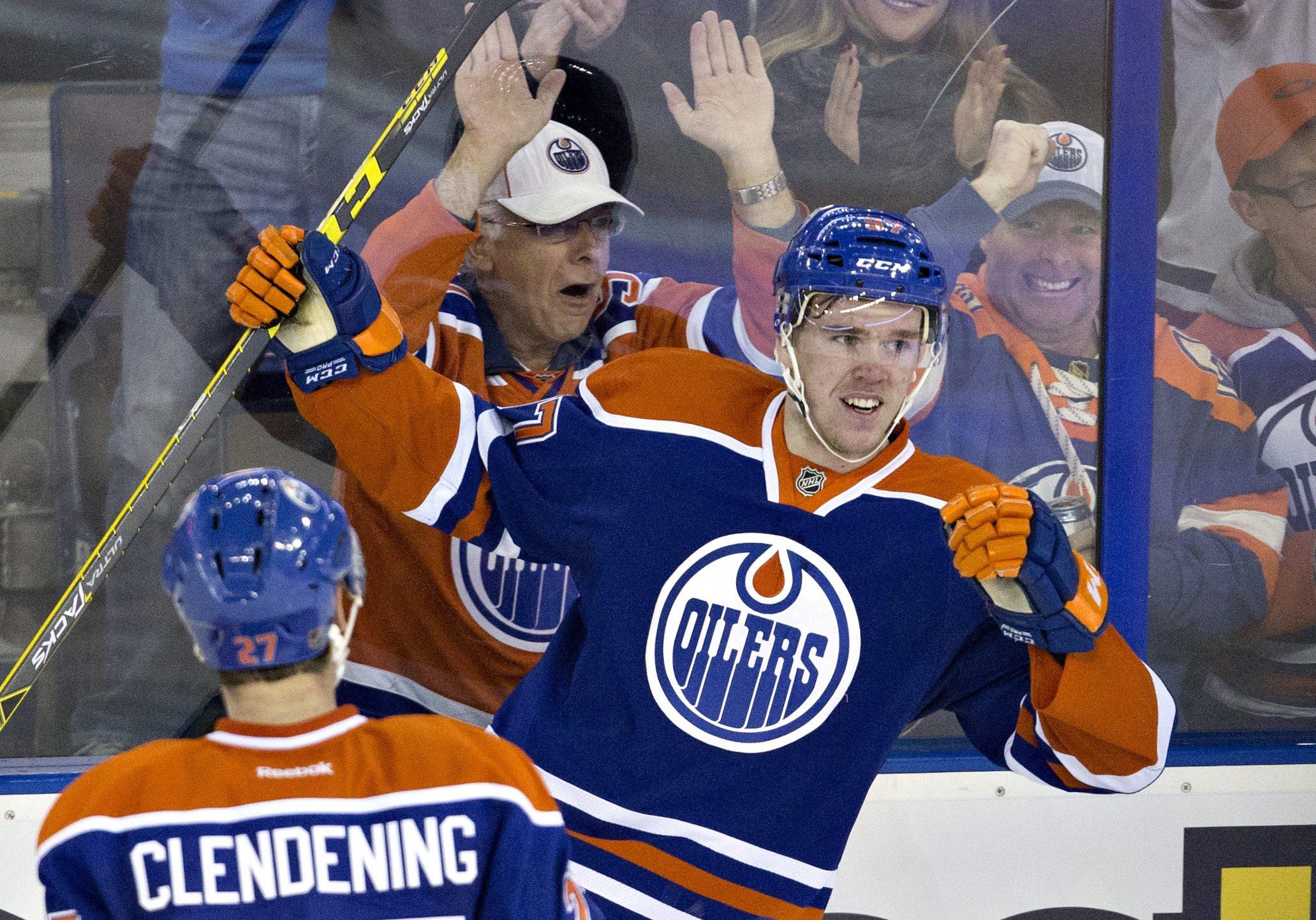 Connor McDavid hyser Kanada ett stort hopp till. Supertalangen spås bli den nye Wayne Gretzky. Foto: AP