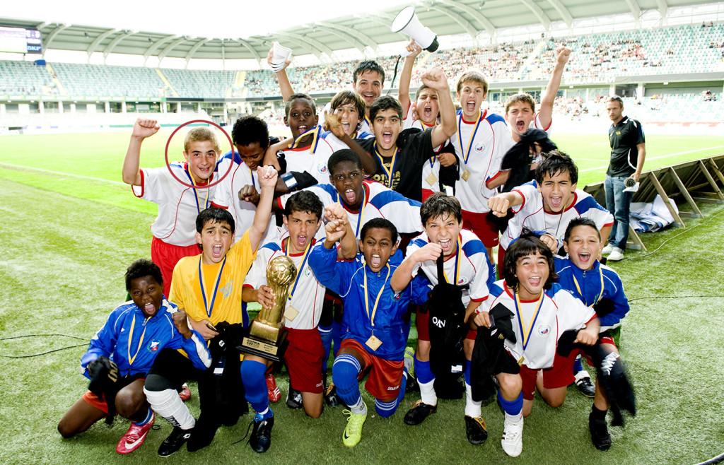 090717 Fotboll, ungdom, Gothia Cup, Final P13, Lärje Angered mästare, jubel, glädje. © Bildbyrån - 56056