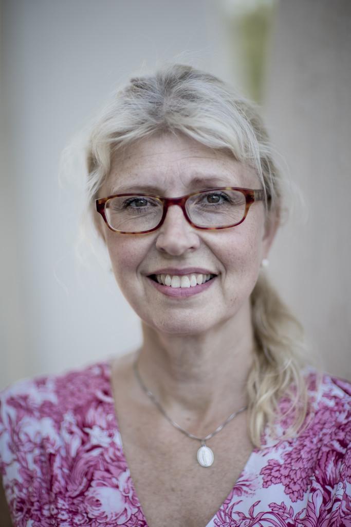 foto : anders deros : dokument om biskopsgŒrden. maria wallin, sociolog, strategisk analytiker. text: peter kadhammar. foto: anders deros