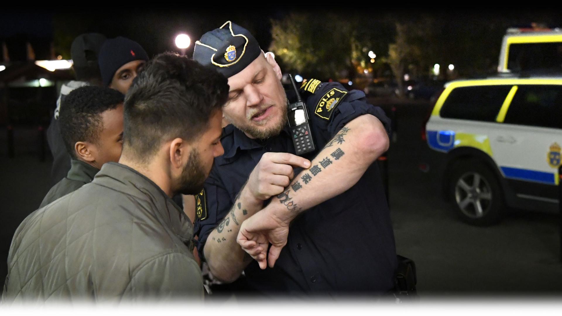 Korde av vagen nar han sag polis