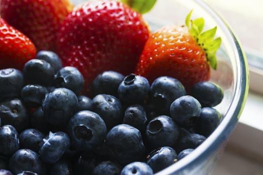 Blåbär och jordgubbar är bara två av de ingredienserna som hädanefter kommer bombardera din kropp med nyttiga antioxidanter.