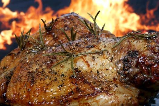 Kyckling är ett proteinrikt och fettsnålt livsmedel vars filéer innehåller hela 22 g protein per 100 g.
