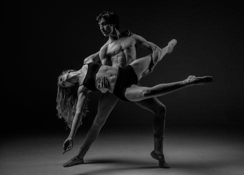 """En av våra könsmässiga skillnader är att män tenderar lagra fett """"inuti"""" kroppen medan kvinnors överflöd enklare hamnar mellan musklerna och huden."""