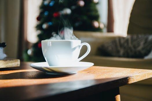 Bygg inte dagens humörmässiga grunder på endast en kopp kaffe.