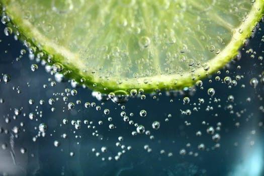 Lime - läskande, uppfriskande och oväntat nyttig!