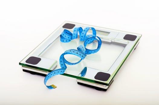 Få inga galna idéer nu. Viktnedgång skall alltid utföras balanserat och innefatta såväl stärkande träning som hälsosamma kostval.