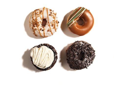 Sugen på något sött trots att du nyss åt rikligt med mat? Vardagsfällorna som triggar våra hungerkänslor är fler än du tror.