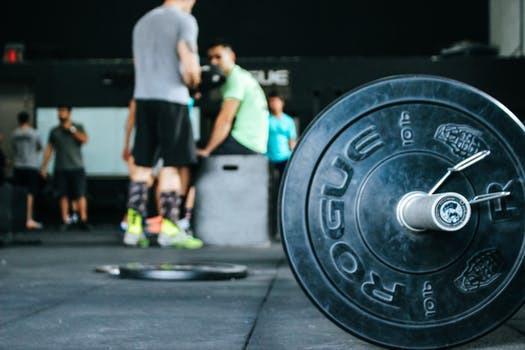 Låt inte gymmet bli synonymt med bra fysik - träna hemma.