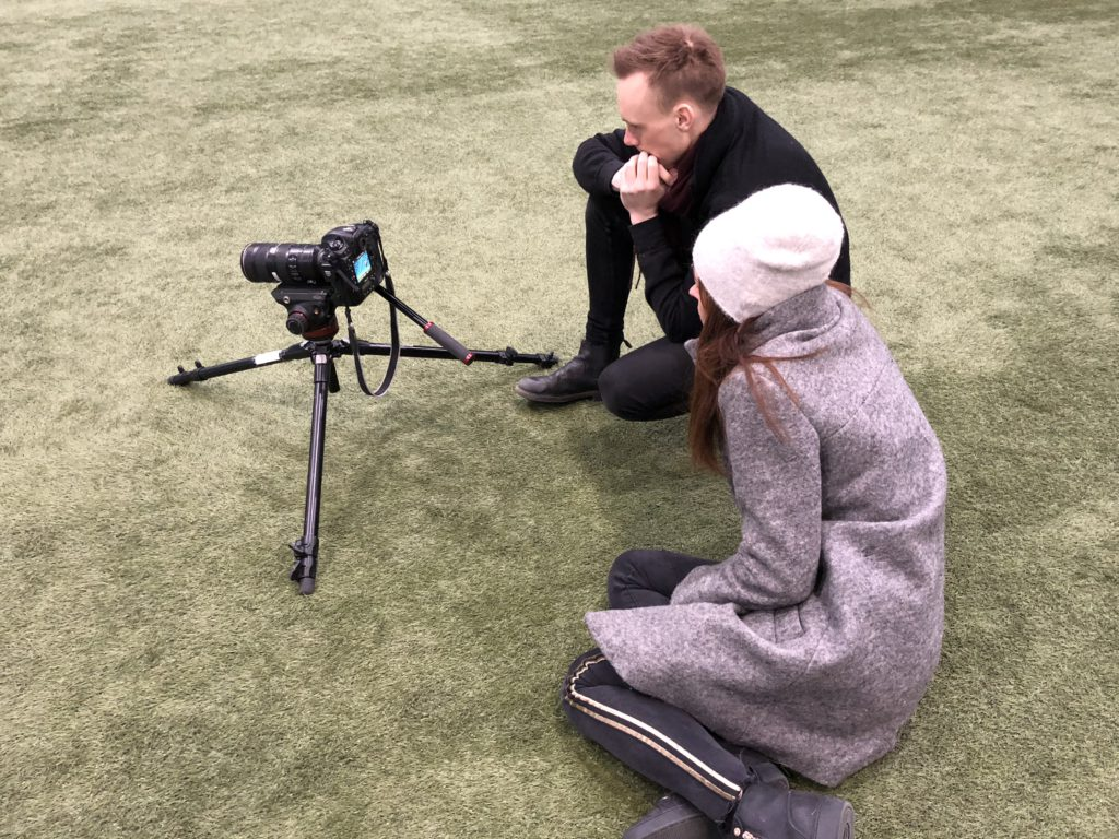 Genius at work. Igår levererade Aftonbladets a-lag konstant under den 2,5 h långa plåtningen.