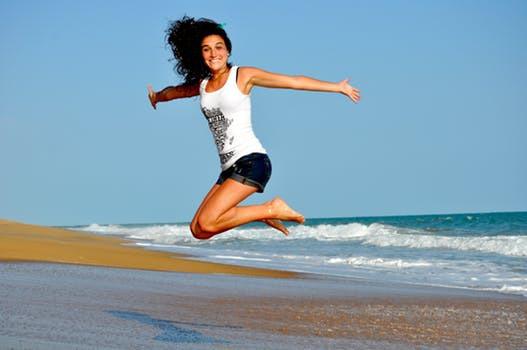 Nej, ditt välbefinnande kräver inte oaser av tid och världsrekordmånga träningspass. Studier visar att lyckokänslorna kan komma snabbare än de flesta tror.