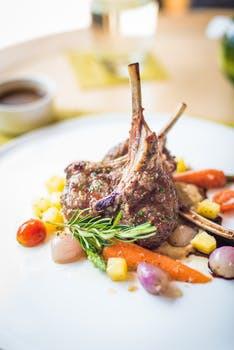 Proteinrikt, magert och gott. Lamm förtjänar en självklar plats i påskbordets startelva!