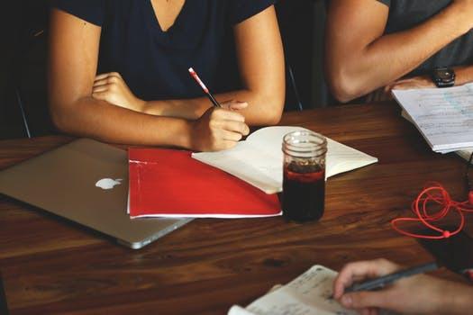 Tröttnat på sena kvällar och långsamma inlärningskurvor? Aktivera dig för att snabba på processen.