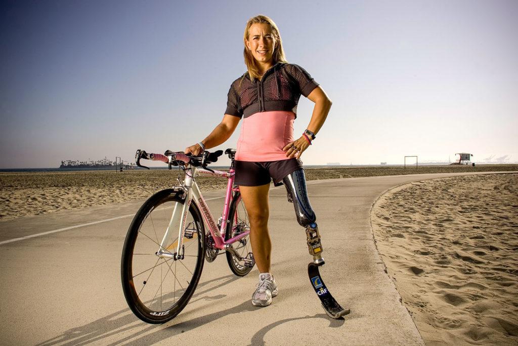 Världens kanske häftigaste kvinna. Kan hon - kan vi! Bild lånad från: Nike Human Race portraits