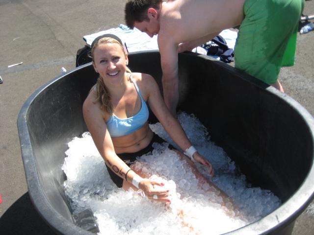 En av världens främsta CrossFit-atleter älskar isbad. Bild lånad från: crossfitdivision.com