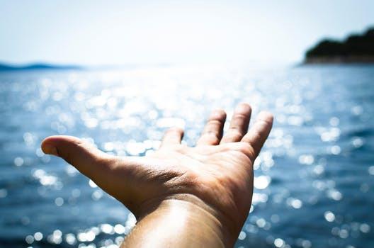 En sommar fylld med lata stranddagar och litervis sangria kan sätta sina spår. Här är tipsen för att starta hösten starkt!