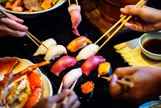 Fortsätt äta fiskens nyttiga fetter, men tänk på sojakonsumtionen i anslutning till dina sängrutiner. Hörde jag lunch istället?
