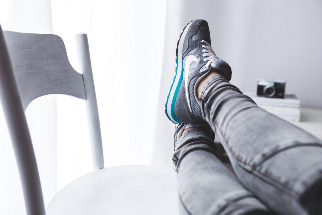 Oroa dig inte. Du kommer hinna relaxa i soffan, plöja Netflix och sippa latté - passet tar bara tio minuter!