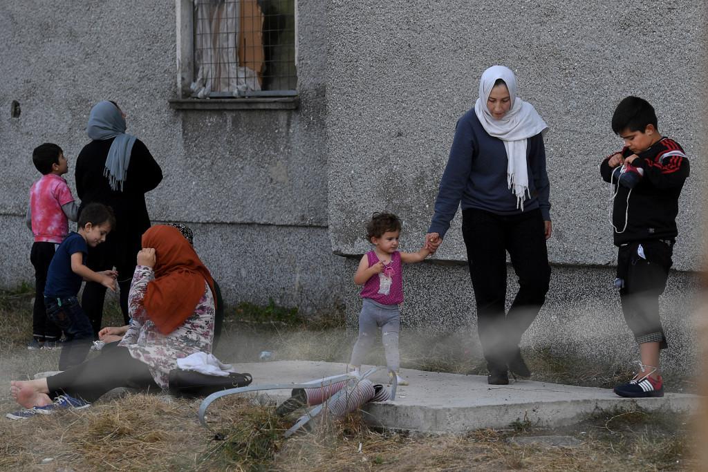 grŠnsen bulgarien-turkiet. foto urban andersson i den lilla staden elhovo i sšdra bulgarien finns ett transitlŠger fšr flyktingar som kommit šver grŠnsen frŒn turkiet. det Šr inget konstigt med det. det konstiga Šr att flyktingarna inte fŒr gŒ ut.
