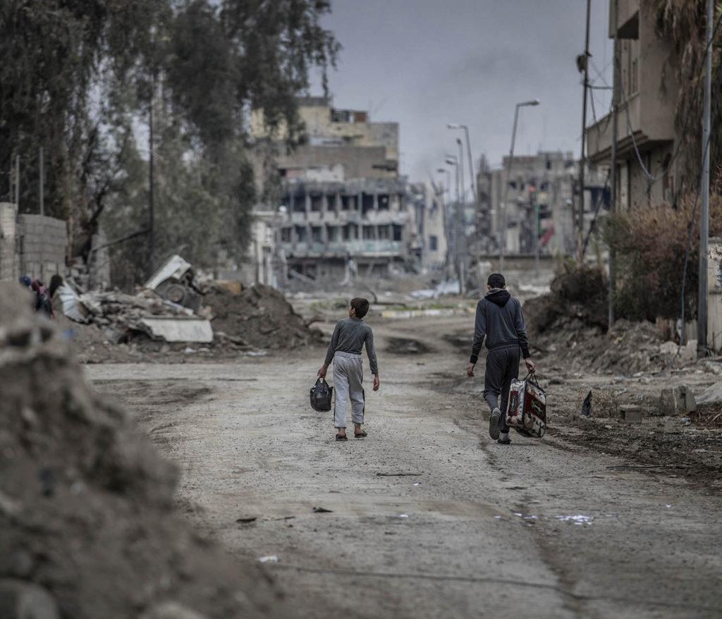 foto : magnus wennman : mosul, irak. en stadsdel i västra mosul är totalförstörd efter hårda strider mellan is och irakiska styrkor. flyktingar strömmar ut från stadskärnan i takt med att irakiska armen befriar fler områden.