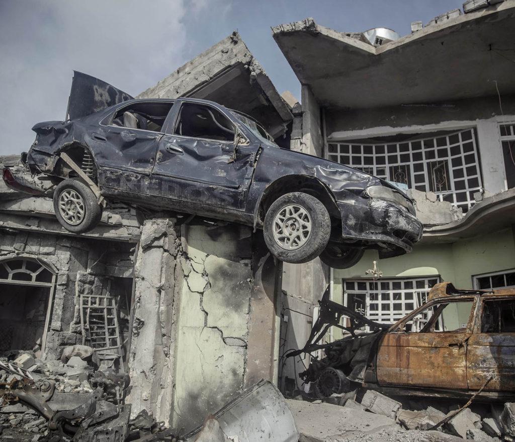 foto : magnus wennman : mosul, irak. stadsdelen galzani i västra mosul är totalförstörd efter hårda strider mellan is och irakiska styrkor. flyktingar strömmar ut från stadskärnan i takt med att irakiska armen befriar fler områden.