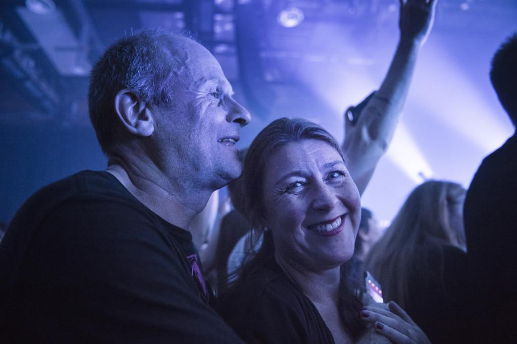 Fans på Kents spelning i Örebro. Foto: Anna Tärnhuvud