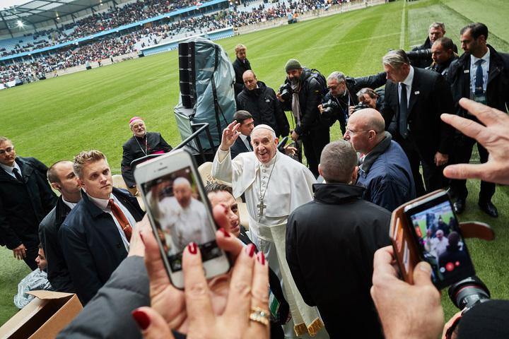 franciskus, påve argentina, besöker sverige, håller mässa på swedbank stadion med bl.a. anders arborelius, präst sverige stockholms katolska stift,