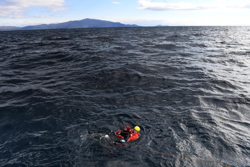 Lise Dunman räddas under övning.