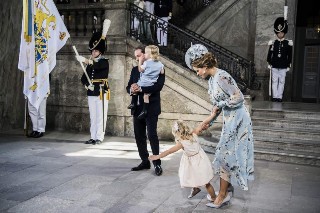 victoriadagen 2017. victoria, prinsessa sverige kronprinsessa firar sin 40-Œrsdag i slottskyrkan vid stockholms slott. chris o'neill med son nicolas, prins, maka madeleine, prinsessa och dotter leonore, prinsessa, familjen, fšdelsedag,