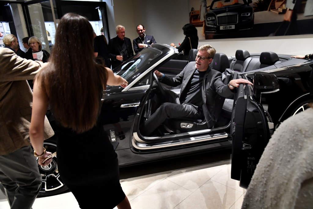 de rikas vŠrld: vroom!. rolls royce presenterar nytt koncept i sitt showroom pŒ birger jarlsgatan