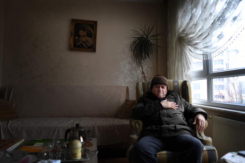 flyktingkatastrofen. flyktingar i turkiet. 60-Œrige abu yusuf frŒn gaza bor i istanbul. hans familj bor i šstra ljungby utanfšr helsingborg