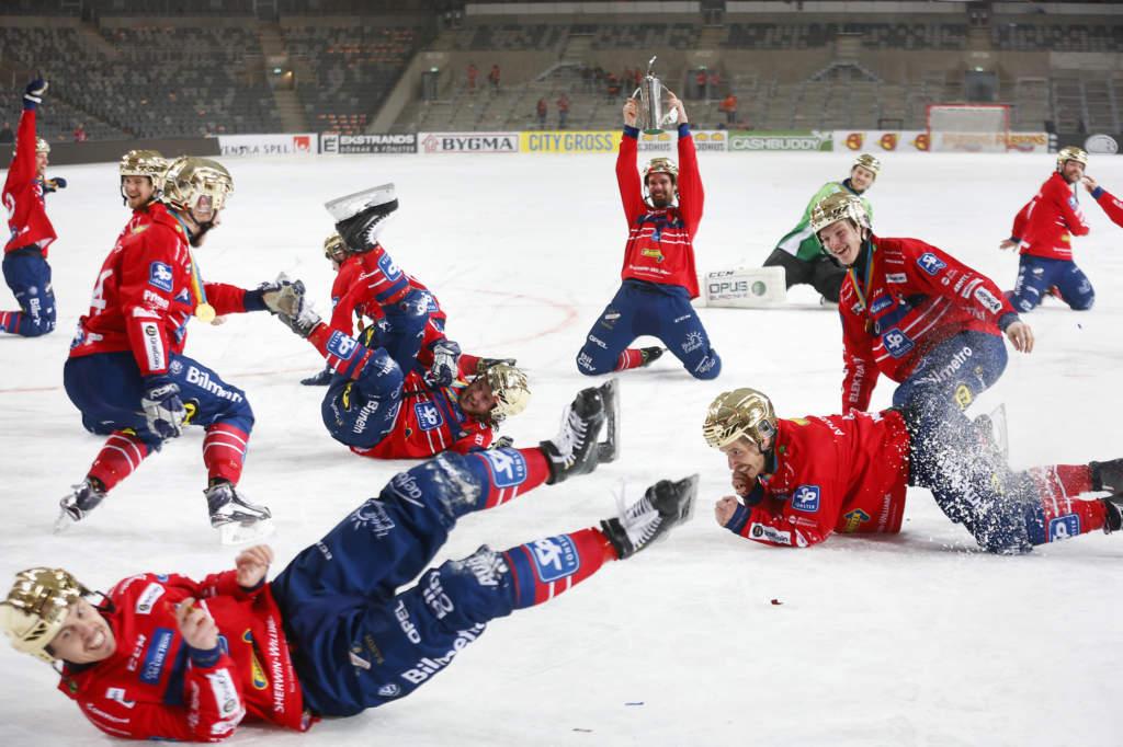 2017-03-25 STOCKHOLM SM-finalen i bandy mellan Bollnäs och Edsbyn på Tele2 Arena. Edsbyn vann matchen med 3-1.  Foto: Stefan Jerrevång / 2800