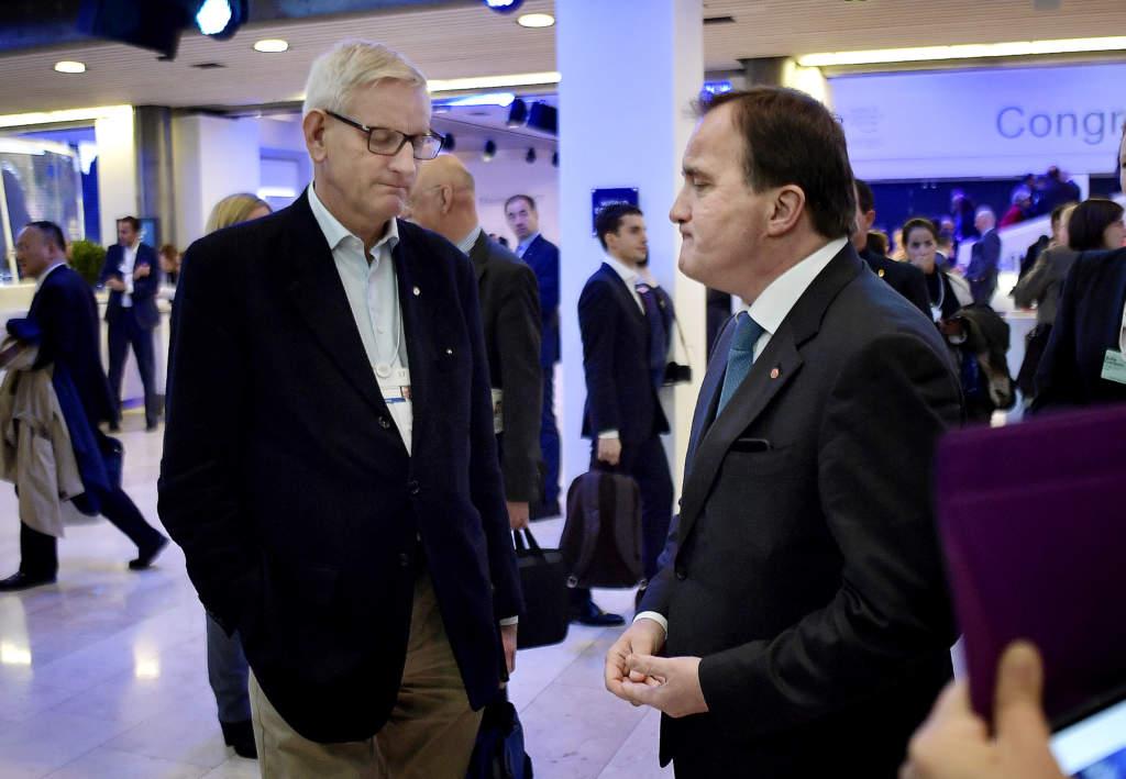 världsekonomiskt forum i davos, world economic forum. carl bildt (m), och stefan löfven, politiker (s) sverige statsminister,