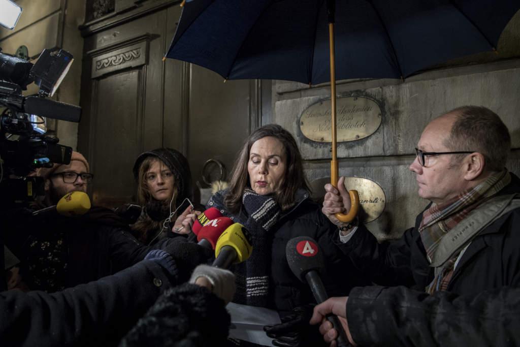 #metoo. svenska akademien, de aderton har krismšte med anledning av sexanklagelserna mot kulturprofilen med nŠra kontakter till akademien. sara danius och peter englund, fšrfattare sverige, metoo